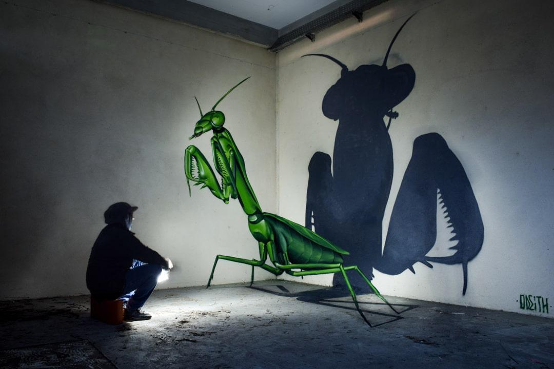 TILSITT GALLERY ODEITH anamorphic praying mantis 2016-min